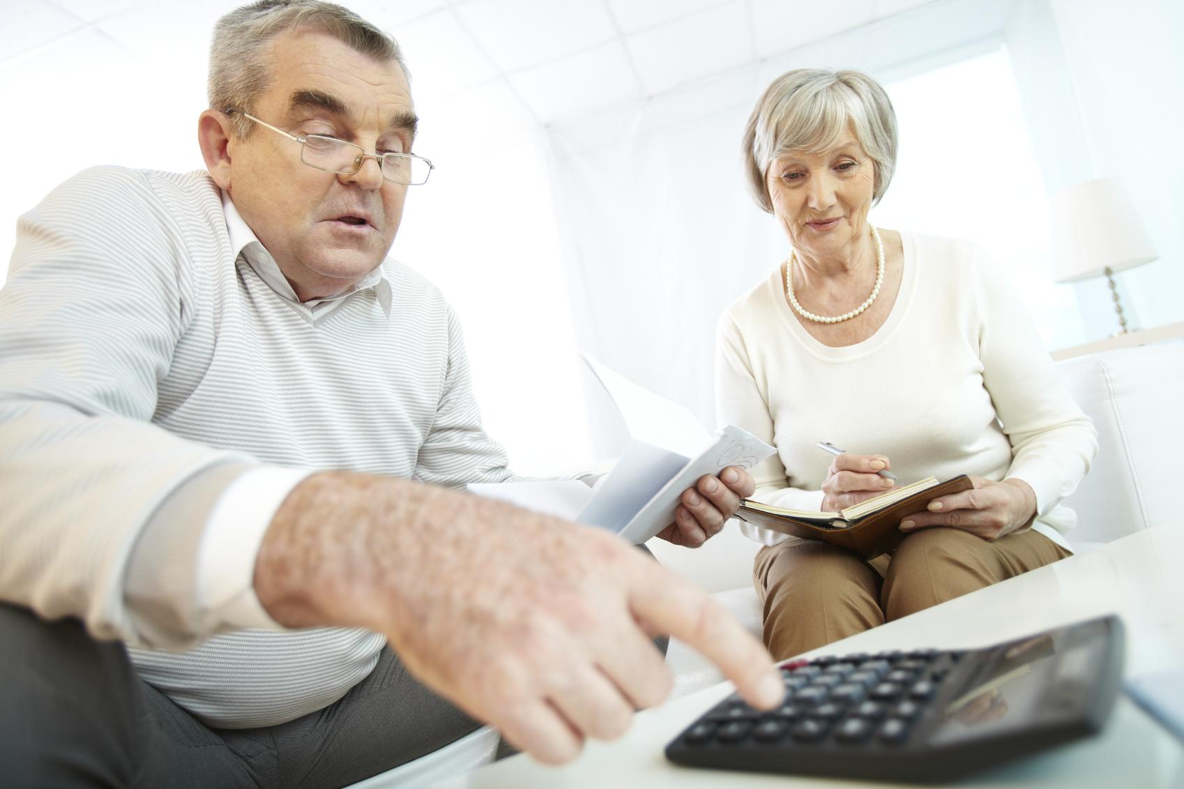 Пенсионеры берут кредит 12 процентов
